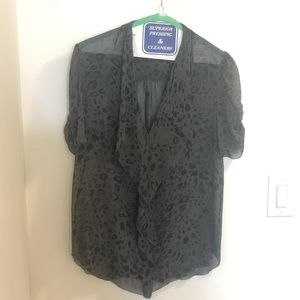 ⬇️ Babaton 100% Silk Grey Leopard Blouse, Size M